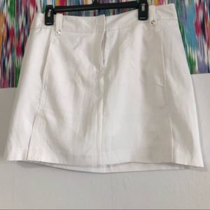 New- Izod swing golf skirt white size 10